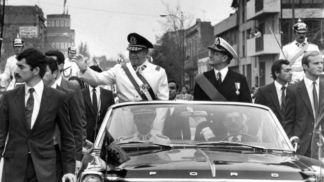 General Augusto Pinochet, el 11 de septiembre, luego del suicidio de Salvador Allende