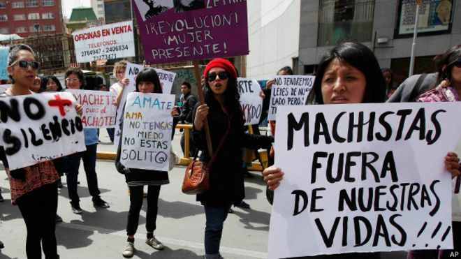 https://ichef-1.bbci.co.uk/news/ws/660/amz/worldservice/live/assets/images/2014/10/07/141007123212_bolivia_machismo_violencia_politicos_624x351_ap.jpg