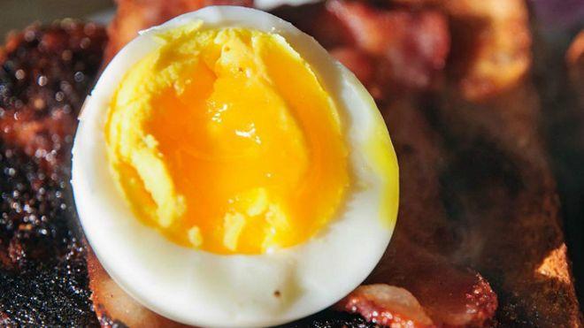 https://ichef-1.bbci.co.uk/news/ws/660/amz/worldservice/live/assets/images/2015/11/27/151127110129_food_egg_bacon_624x351_dougflickrccbyncnd2.0_nocredit.jpg
