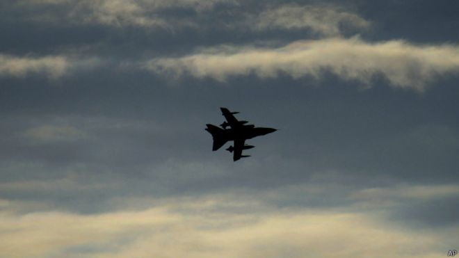 Resultado de imagen para IMAGENES DEL BOMBARDEO DE EE UU A SIRIA